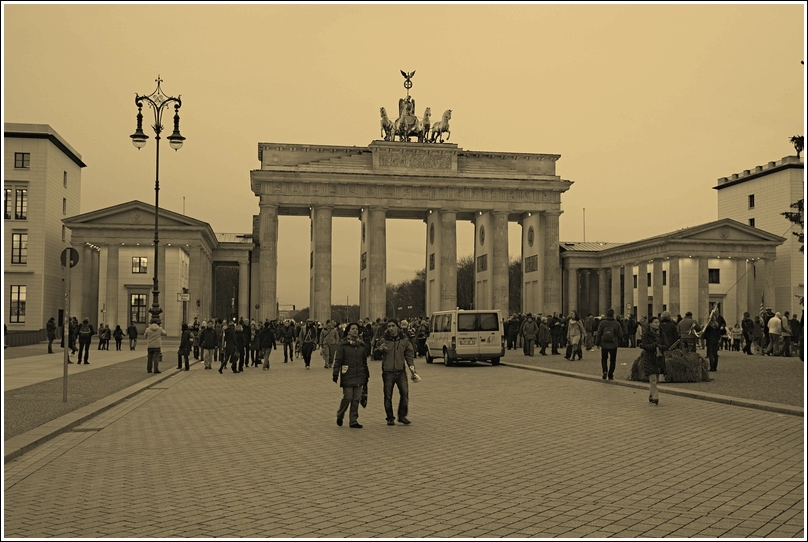 619_berlin_Brandenburger_Tor_03.jpg
